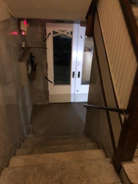 Apartments on rent - 128 W. Nixon - 4