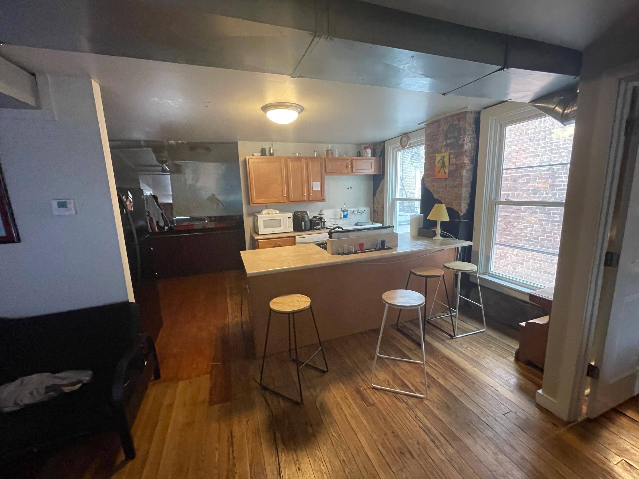 Apartments on rent - 226 W. McMillan -3